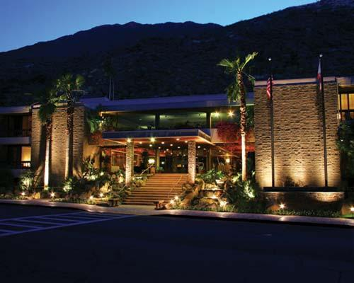 Palm springs tennis club resort west coast condo rentals for Palm springs strip hotels